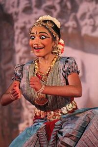 Выражение расы с помощью танца.